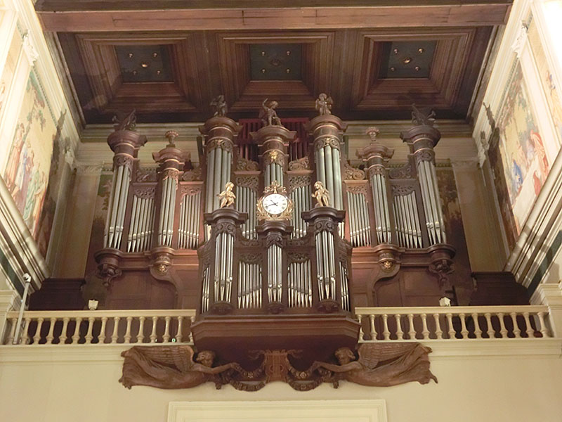 St-Germain-en-Laye-organ-case